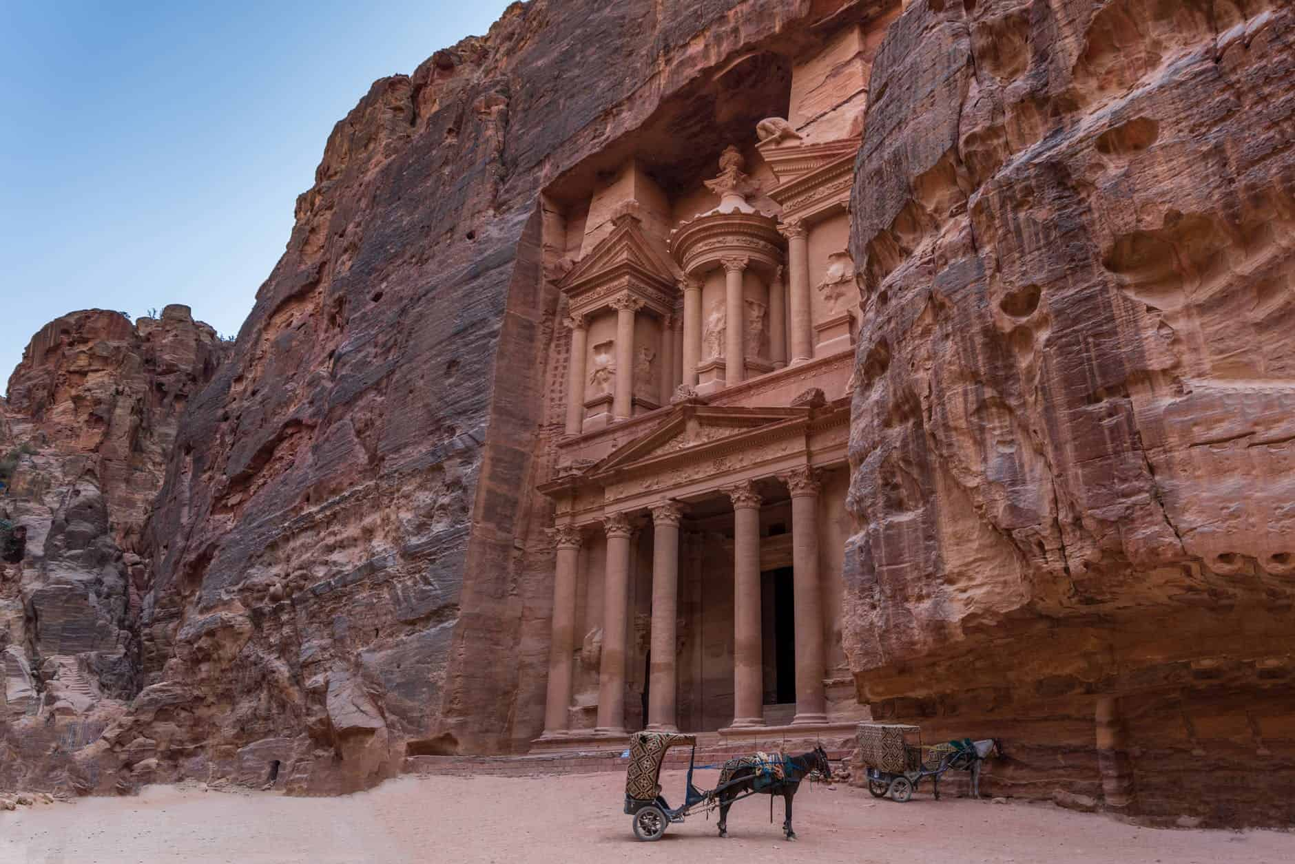 Uncover The Lost City of Petra With These Helpful Sources